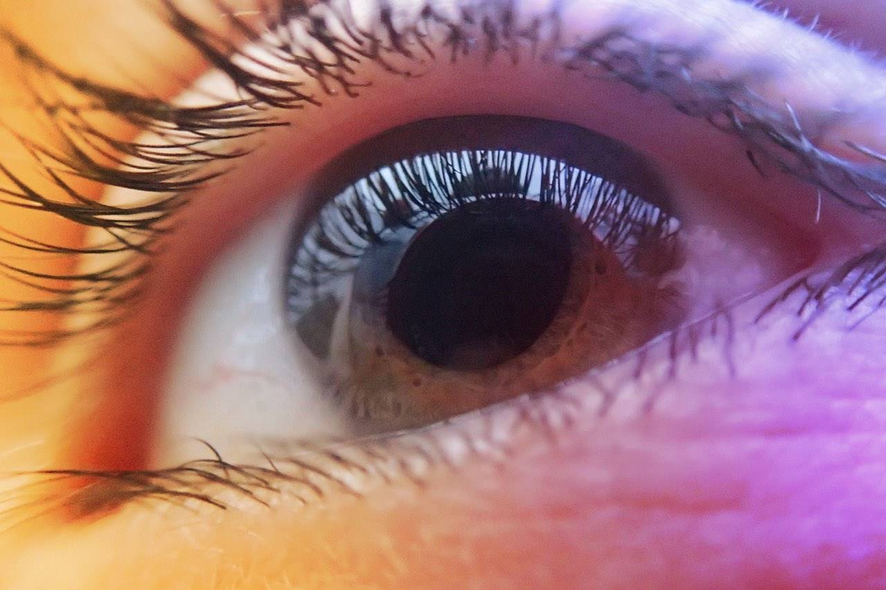 closeup-eye