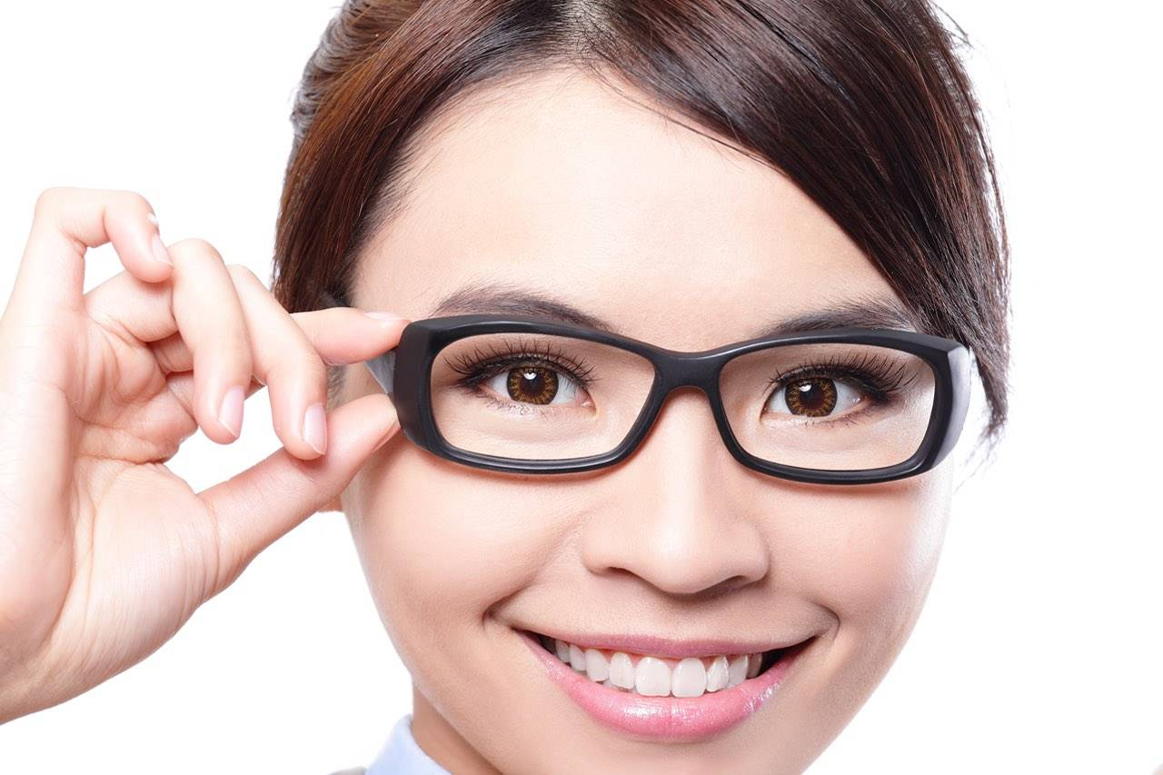 eyeglasses and contacts in tillsonburg on with image of asian girl wearing eyeglasses