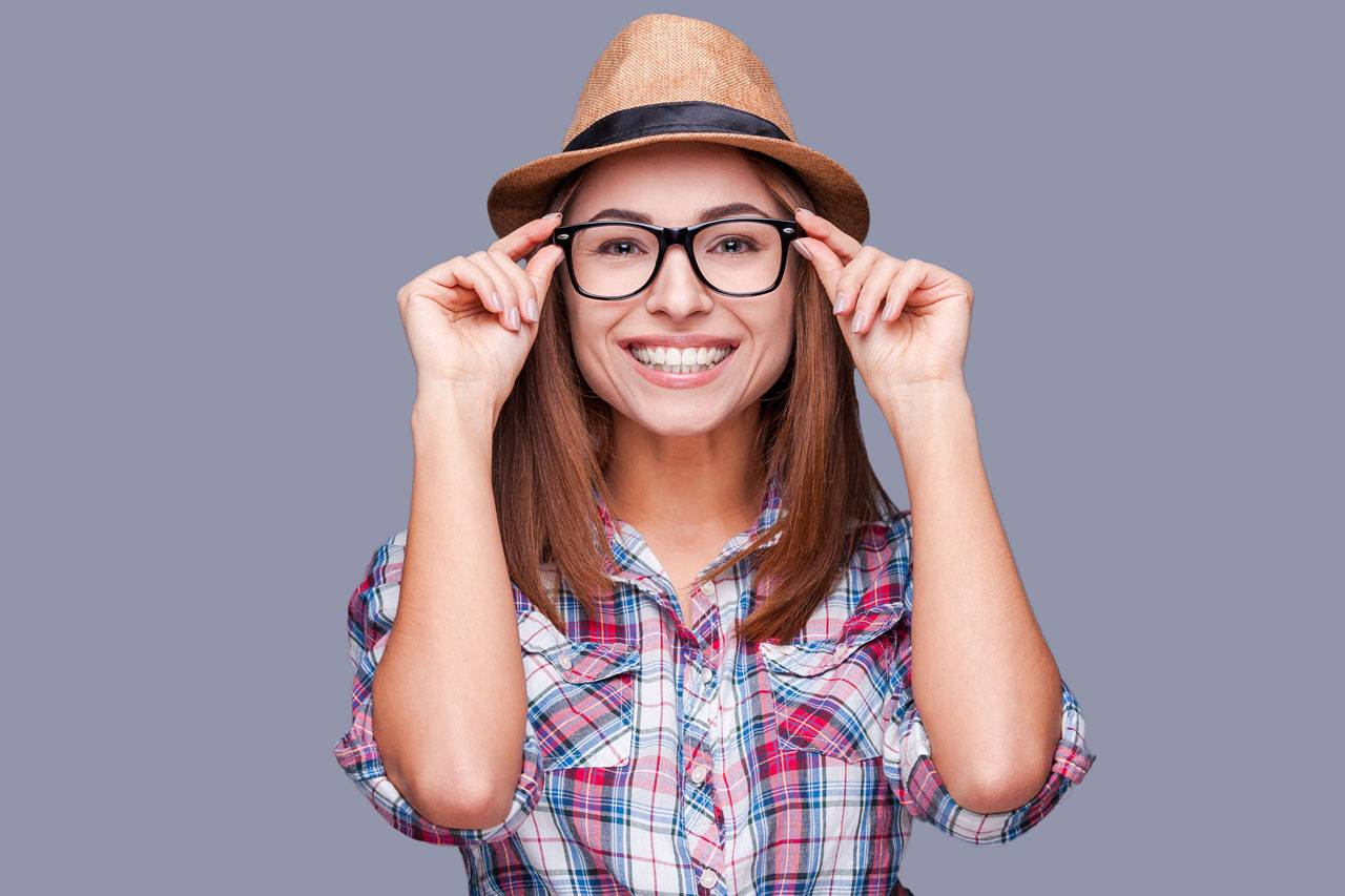 glasses-american-20-woman-hipster