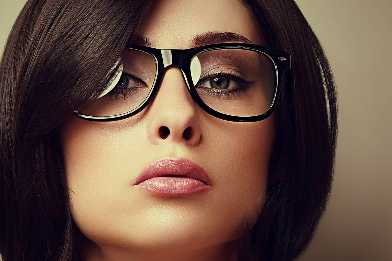 glasses fashionista lady dark hair