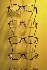eyeglasses and contact lenses in Kincardine