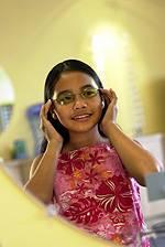girl-trying-glasses-rockville