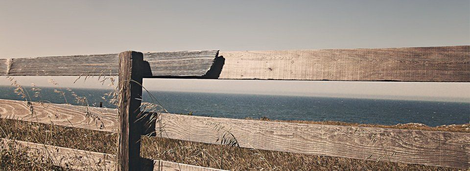 woodenfence_seascape